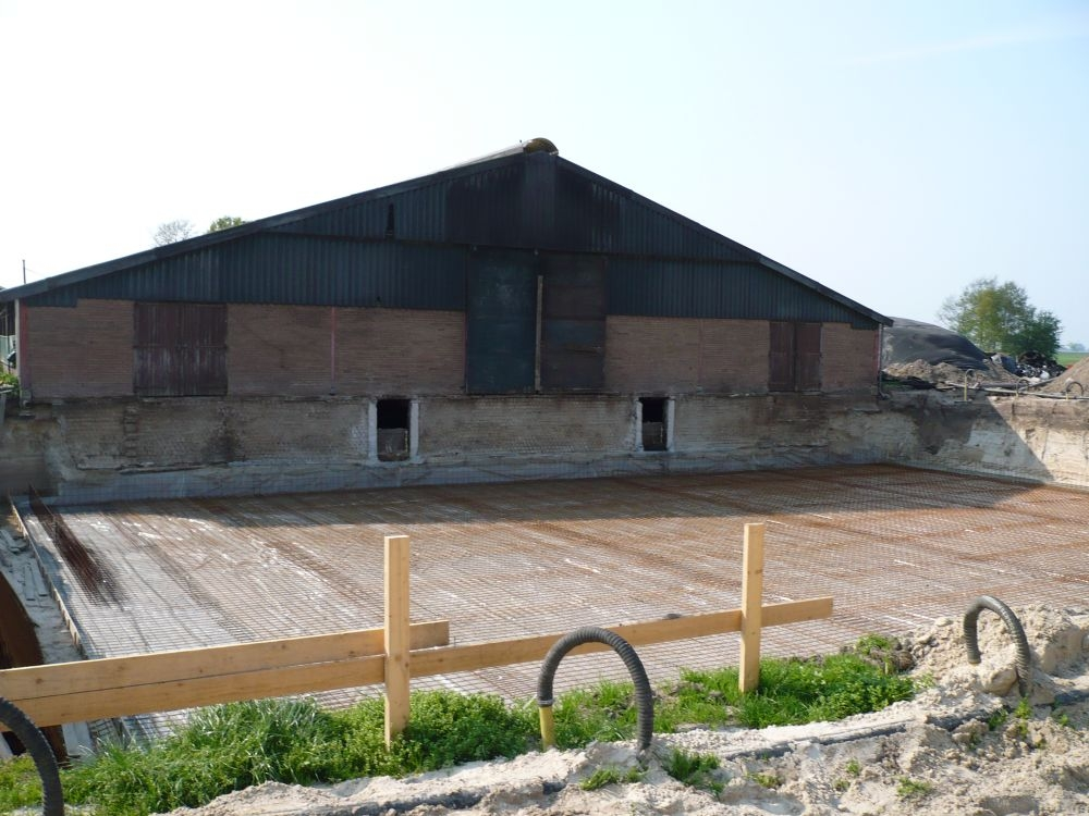 2011-april-008